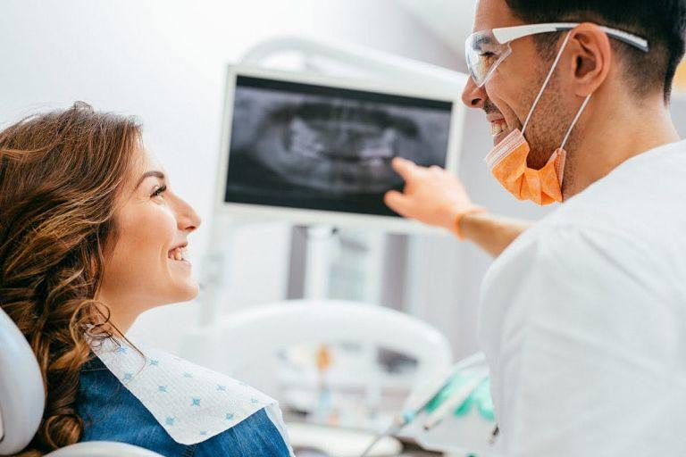 Hiện có nhiều địa chỉ nha khoa uy tín bạn có thể lựa chọn để niềng răng 3D Clear