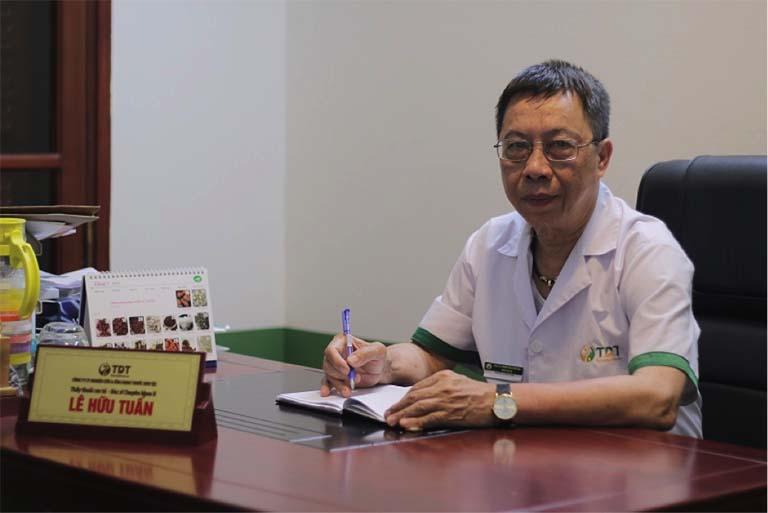Thầy thuốc Lê Hữu Tuấn