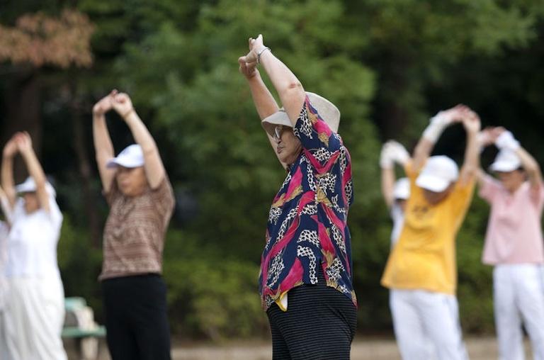 Hãy từ bỏ thói quen xấu và tích cực luyện tập mỗi ngày để nâng cao sức khỏe của bạn