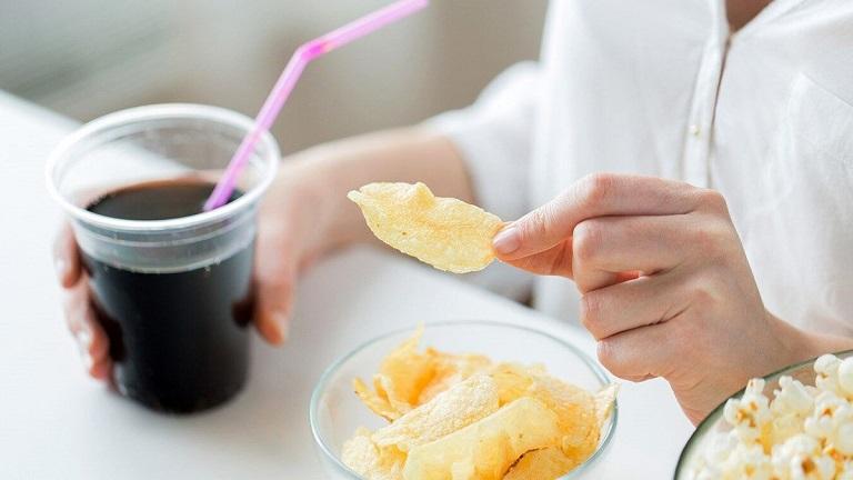 Người bệnh nên hạn chế sử dụng những thực phẩm có hại cho sức khỏe